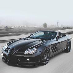 Mercedes SLR McLaren. I want, I want, I want!