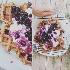 💎W A F F L E S | 🍞G F | 🌱V E G A N | 👄 Sweet potato 🍠and oatmeal waffles with blueberries and my home made soy yogurt. 👌 #vegan #waffles #dairyfree #eggfree #glutenfree #oilfree #sugarfree #foodshare #whatveganseat #wfpb #hclf #plantbased #plantstrong #bestofvegan #healthy #veganfoodshare #food #instagood #love #follow #photooftheday #vegansofig #veganism #instafood #sweet #yummy #wellnesswednesday Oatmeal Waffles, Fruit Bat, Egg Free, Veganism, Blueberries, Fig, Glutenfree, Sugar Free, Sweet Potato