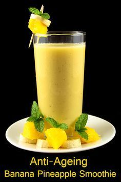 Anti-Ageing Banana Pineapple Smoothie: Chilled Milk 3 cups Pineapple pieces 1 cup Banana 1 (large size) Honey 2 tablespoons Ginger Paste ¾ teaspoon Small Ice Cubes 8 cubes per serving) Cinnamon Powder for seasoning Black Pepper ½ teaspoon Smoothie Drinks, Fruit Smoothies, Healthy Smoothies, Healthy Drinks, Smoothie Recipes, Healthy Eating, Healthy Skin, Smoothie Ingredients, Clean Eating