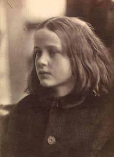 ジュリア・マーガレット・キャメロン《アニー》 1864年 ヴィクトリア・アンド・アルバート博物館蔵