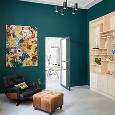 Combo Design is officieel dealer van IXXI ✓Tropical Birds IXXI ✓ Verschillende varianten verkrijgbaar ✓ Gratis verzending (NL) Curtain Rails, Bird Wall Art, Design System, Tropical Birds, Victoria And Albert Museum, Gallery Wall, Table, Furniture, Home Decor