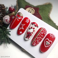 Christmas nails for this season, The same hand-loomed Christmas crafts square measure a breeze to form and far cheap. Horseshoe art is likewise very talked-about and it's fun to try and do… Xmas Nails, Holiday Nails, Christmas Nails, Christmas Crafts, Winter Nail Art, Winter Nails, Winter Makeup, Matte Nails, Acrylic Nails