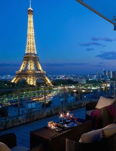 10 of the world's most beautiful balconies to travel to: Shangri-LA, Paris, France.