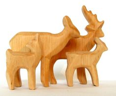 http://de.dawanda.com/product/58201283-eine-herde-hirsche-tiere-aus-holz-geschnitzt