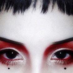 34 Ideas makeup artist photoshoot dark - Make Up Goth Makeup, Dark Makeup, Makeup Inspo, Makeup Art, Beauty Makeup, Eye Makeup, Makeup Style, Neutral Makeup, Makeup Geek