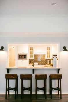 New kitchen bar wall decor fixer upper 61 Ideas Kitchen Redo, Kitchen Living, New Kitchen, Kitchen Pass, Galley Kitchen Remodel, Kitchen Black, Mini Kitchen, Kitchen Backsplash, Kitchen Ideas