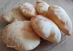 Kovászos pita | Betty hobbi konyhája Ciabatta, Naan, Hamburger, Bakery, Pizza, Potatoes, Cheese, Vegetables, Breads