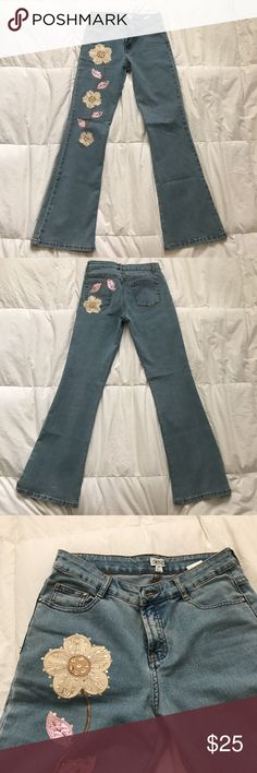Embroidered jeans Vintage CACHÉ embroidered bootcut jeans worn once (stretchy) Cache Jeans Boot Cut