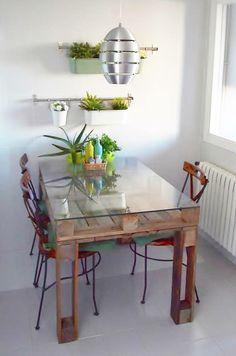 Mesa hecha con palets (tarimas)