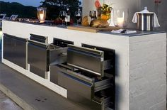 Find out the best and awesome outdoor kitchen design plans, kits & ideas for your dream home Modern Outdoor Kitchen, Outdoor Kitchen Cabinets, Kitchen On A Budget, Outdoor Kitchens, Modern Kitchens, Kitchen Doors, Rustic Outdoor, Backyard Kitchen, Kitchen Contemporary