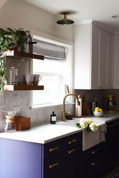 Kitchen cabinets ikea island with seating colors a modern for home surprising 2 barn willow gorgeous Farmhouse Sink Kitchen, Modern Farmhouse Kitchens, Home Decor Kitchen, Kitchen And Bath, Home Kitchens, Kitchen Dining, Kitchen Ideas, White Countertops, Kitchen Countertops