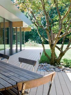 Con Relazzo puedes diseñar tu espacio personal al aire libre como quieras. Ya sea moderno y de línea recta o elegantemente atemporal: Relazzo es la expresión perfecta para la individualidad y el estilo de vida.