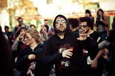 MARCHE DES ZOMBIES DE MONTREAL | ALBUM OFFICIEL DE LA MARCHE DES ZOMBIES DE MONTRéAL 2012 [1/3]