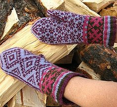 free pattern, for thick fingering or aran, Ravelry: Tijeras Mittens pattern by Nanette Blanchard