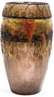 """Gabriel ARGY-ROUSSEAU (1885-1953), vase  """"Faunes et Nymphes"""" en pâte de verre à décor de têtes, faon et baies en relief, de couleurs contrastées orange-vif, jaune, ocre et gris-violacé. Signé """"G. Argy-Rousseau"""" en creux sur la panse. Hauteur : 22,5 cm. Diamètre : 12 cm."""