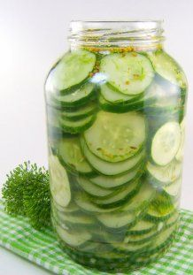 One Perfect Bite: Refrigerator Dill Pickles. My kids love pickles so I made these and they LOVE them. ANd I do because they don't have the chemicals and extras that jarred pickles do. Think Food, I Love Food, Good Food, Yummy Food, Tasty, Fruits And Veggies, Vegetables, Do It Yourself Food, Great Recipes