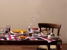 Semifreddo alla Stracciatella Rezept   LECKER Dips, Table Settings, Icecream Craft, Freezer Paper, Popular Recipes, Food Portions, Essen, Summer Recipes, Table Top Decorations