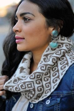 Aymara Cowl Kit from DGY #knitting #llamayarn