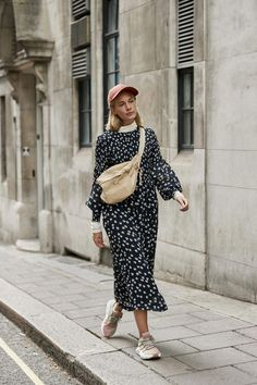 93ee0477b8 The Best Street Style Of London Fashion Week SS19 #beststreetfashion Fashion  Tips, Fashion Styles