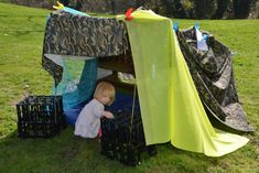 Den building is a great way for children to develop their personal, social and emotional development. It tests their turn taking skills, builds their confidence and gives them opportunities to compromise and problem solve. Den Building, Building Design, Eyfs Activities, Family Activities, Outdoor Learning, Outdoor Play, Autumn Eyfs, Picnic Blanket, Outdoor Blanket