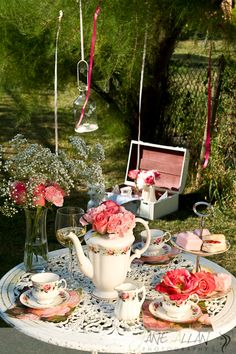 Shabby chic garden party ~ I hope we get a good summer this year!