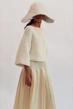 Look 25 // Womenswear Spring Summer 2021 Knit Fashion, Womens Fashion, Sweater Design, Knitting Designs, Crochet Clothes, Knitwear, Cashmere, Women Wear, Spring Summer