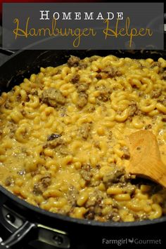 Jake loves hamburger helper but I refuse to buy it so we'll give this a try! Homemade Hamburger Helper - Farmgirl Gourmet (good but needs more flavor) Pasta Dishes, Food Dishes, Main Dishes, Beef Dishes, Meat Dish, Homemade Hamburger Helper, Easy Hamburger Meals, Recipes Using Hamburger, Healthy Hamburger