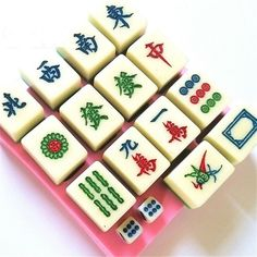 1 x Chinese Thirteen Orphans Mahjong Silicone Mold ★ Perfect for: Fondant, Gum Paste, Sugar, Butter, Soap, Wax, Ice, Cupcake Toppers, Decorate Cakes, Candies, Jewelry, Polymer Clay, Resin Clay, Resin, Dough, Etc...