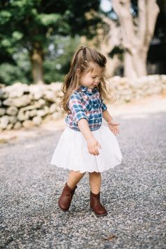 Toddler Shirt Worn Three Ways Toddler Style One Shirt Worn Three Ways // Lynzy & Co. The post Toddler Shirt Worn Three Ways appeared first on Toddlers Ideas. Baby Girl Fall Outfits, Little Girl Outfits, Toddler Girl Outfits, Little Girl Fashion, Toddler Cowgirl Outfit, Little Girl Style, Toddler Girl Clothing, Kids Clothing, Little Girls