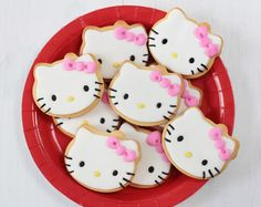 Hello Kitty decorated cookies