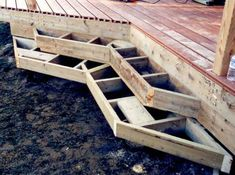 Framing deck box steps with an inside corner and angled ends.