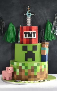 Minecraft Cake - Boys Bespoke Celebration Cakes For All Occasions. Minecraft Party Decorations, Minecraft Crafts, Minecraft Birthday Cake, Cake Minecraft, 7th Birthday, Minecraft Cake Designs, Minecraft Skins, Pastel Minecraft, Mindcraft Cakes