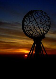 Nordkapp Midnight sun on Nordkapp Norway Norway Travel, Cities In Europe, Arctic Circle, Midnight Sun, Four Corners, Trip Planning, Scandinavian, Traveling, Life