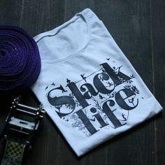 Cotton T-shirt with slackline print designed and made by SlacKing company. Linocut printing Made with passion.  Size: M Color: white Design color: black Fabric: Cotton 100%