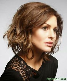 Cute Short Celebrity Haircuts For Wavy Hair | StyleSN