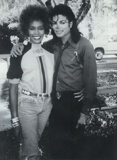 Legendary pop singer Whitney Houston and the king of pop Michael Jackson. Michael Jackson 1988, The Jackson Five, Jackson Family, Janet Jackson, Kino Film, The Jacksons, Billboard Music Awards, American Music Awards, Music Icon