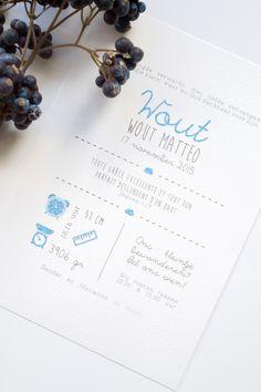 Geboortekaart van Wout - ontwerp door Leesign.nl #leesign #geboortekaart #geboortekaartje #birthannouncement #jongen #babyboy #blauw
