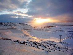 Couleurs de fin de journe en Norvge Tout en haut tout en haut de lEurope  ct du Cap Nord landscapelover sunsethunter sunsetsky wintersun norway viewpoint
