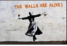 "The Sound of Art . ""The Walls Are Alive""- Banksy Banksy Graffiti, Street Art Banksy, Arte Banksy, Banksy Artwork, Bansky, Banksy Posters, Pop Art, Amazing Street Art, Amazing Art"