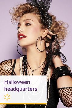 Go ahead, vamp it up! You don't have to be a beauty guru to master hauntingly glam Halloween makeup—we'll show you how to create spellbinding looks in just a few steps. Newborn Halloween Costumes, Halloween Cosplay, Halloween Makeup, Halloween Party, 80s Party, Fashion Show Makeup, 80s Fashion, Fashion Ideas, Madonna Costume