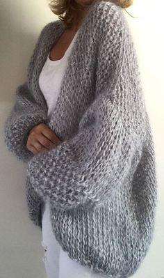 40 Ideas for knitting ideas sweaters tricot Pull Crochet, Crochet Cardigan, Knit Crochet, Chunky Cardigan, Crochet Sweaters, Beige Cardigan, Crochet Shawl, Sweater Knitting Patterns, Cardigan Pattern