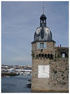 Concarneau! One of my favorite places as a child.