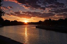 Title:  Sunset On The River   Artist:  Dave Files   Medium:  Photograph - Photography