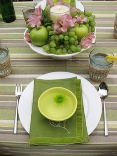 Cute Picnic Ideas (From Centerpieces To Cheese Labels) Edible Centerpieces, Centerpiece Ideas, Wedding Centerpieces, Diy Wedding, Wedding Ideas, Green Wedding, Wedding Themes, Wedding Details, Wedding Stuff