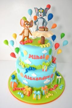 Tom And Jerry Cake, Tom E Jerry, Cupcakes, Cupcake Cakes, Minnie Mouse Birthday Cakes, Creative Desserts, Fondant Toppers, Party Treats, Shower Cakes