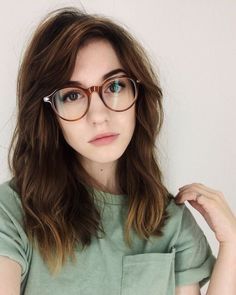 How To Wear Makeup With Glasses Shades 44 Ideas For 2019 This image has ge… – Brille Make-up Fake Glasses, New Glasses, Girls With Glasses, Glasses Frames, Makeup With Glasses, Half Frame Glasses, Hippie Glasses, How To Wear Makeup, Cat Eye Colors