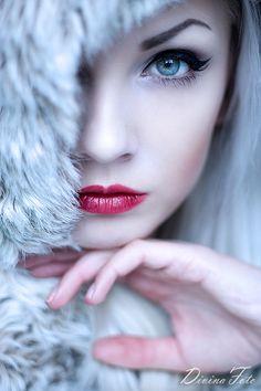 A frozen touch by DivinaARTS.deviantart.com on @deviantART
