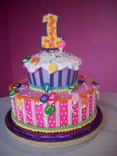 1st birthday balloon cake by Caryn's Cakes, via Flickr