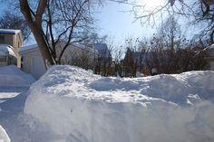 OAKVIEW COTTAGE (Winnipeg, Manitoba snow March 2013)
