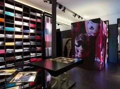 CH Carolina Herrera store Paris 02